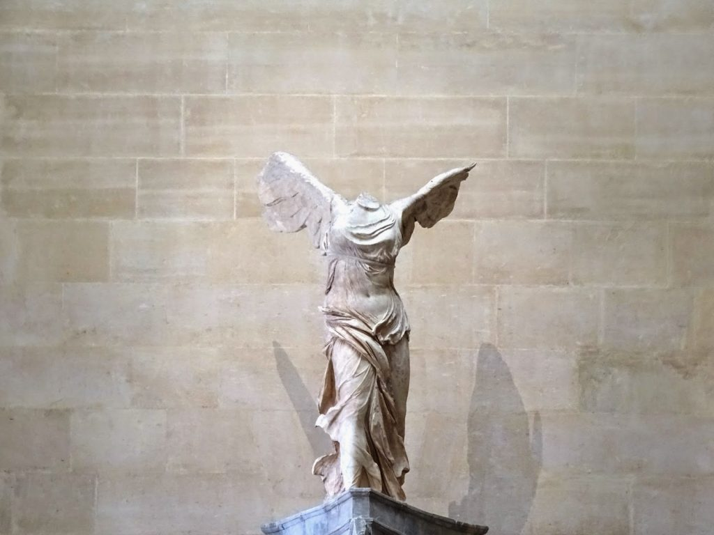 nike-in-louvre