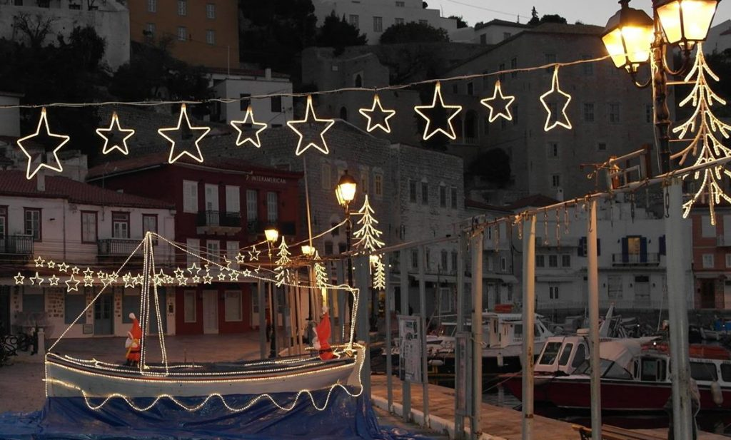 christmas-boat-on-hydra