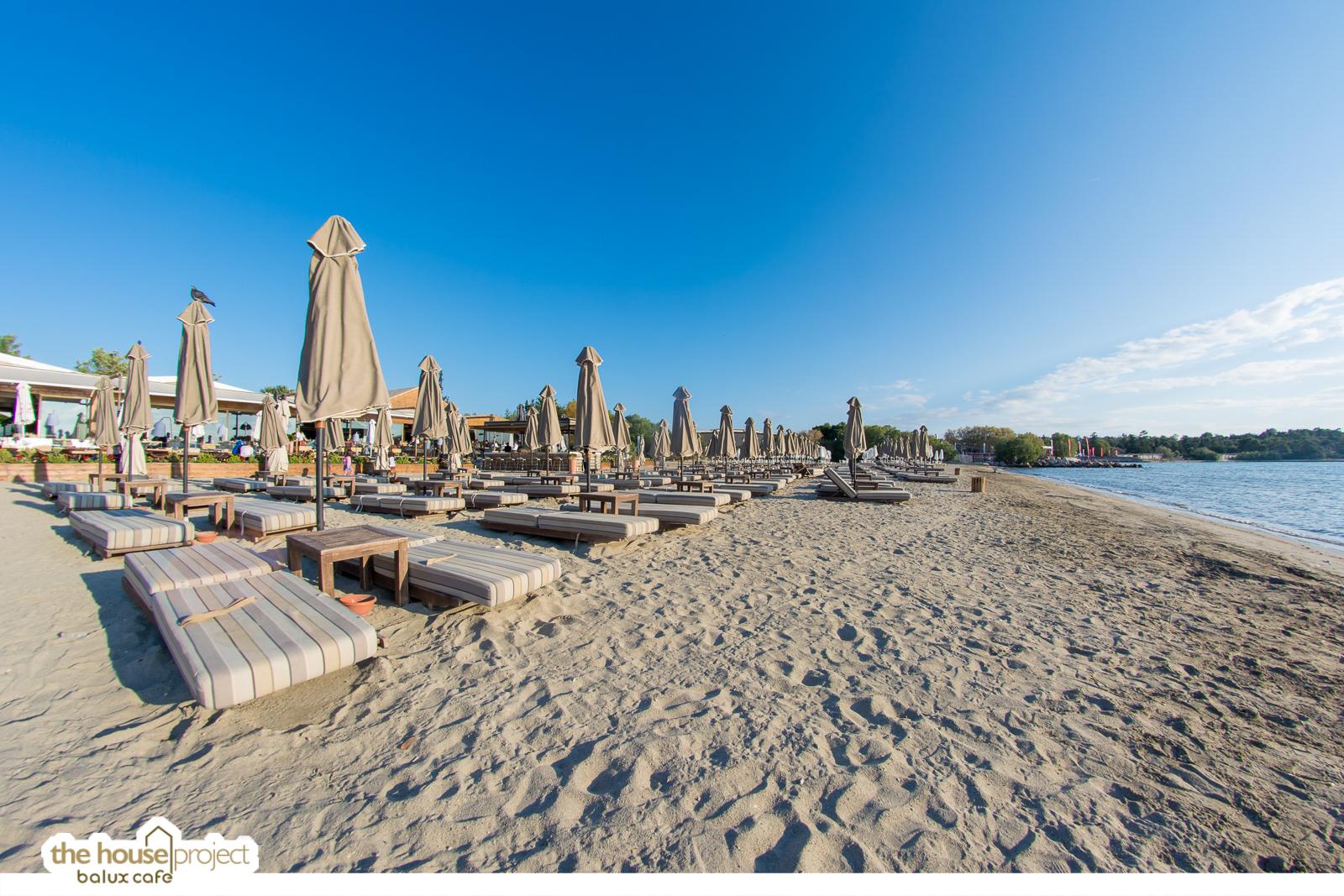 Balux Cafe Glyfada Beach